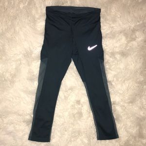 Nike Leggings with sheer mesh leg detail size XS